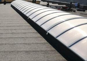 installazione-lucernari-centinati-su-rifacimento-copertura-industriale-mosolecorradosrl-01