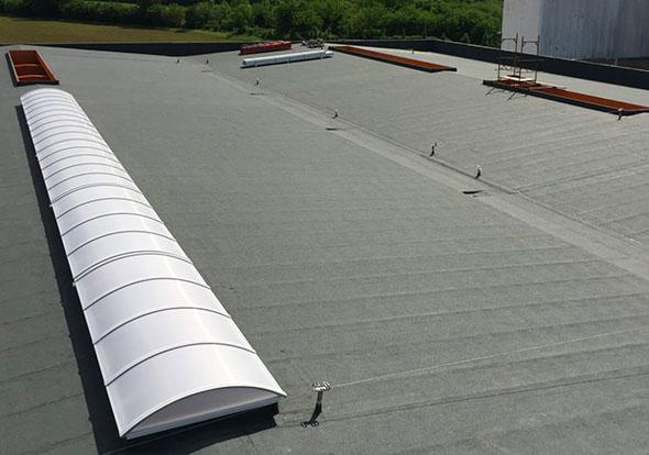 installazione-lucernari-centinati-su-rifacimento-copertura-industriale-mosolecorradosrl-02
