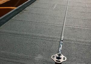 progettazione-realizzazione-installazione-linee-vita-su-rifacimento-tetto-capannone-mosolecorradosrl-01